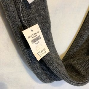 Hollister Accessories - Hollister gray infinity knit scarf